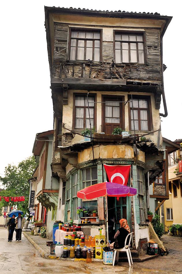 Tirilye'nin simgesi tarihi bina