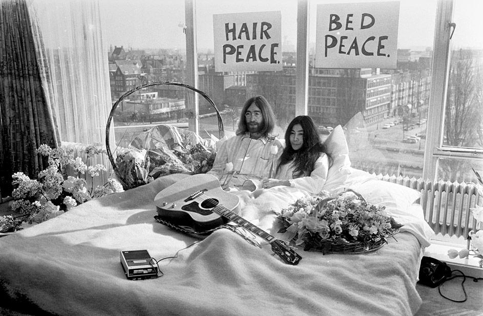 Bed In for Peace, Amsterdam 1969 - John Lennon & Yoko On