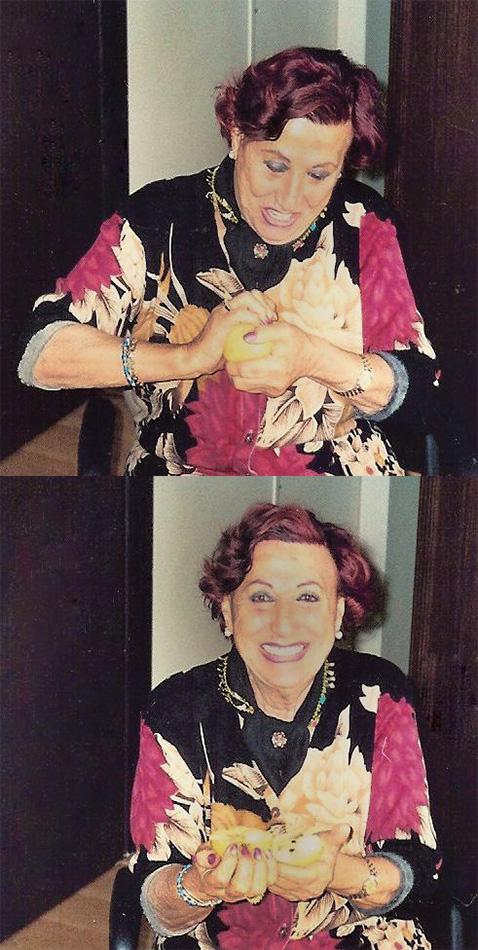 2002, Müzeyyen Senar eliyle elma kırıyor